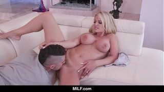 MILF – Hot Stepmom Helps Out Distracted Stepson With Her Mouth And Pussy
